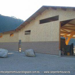 ALT URGELL EXPLOTACIÓN GANADERA, CARPENTER HOUSE.